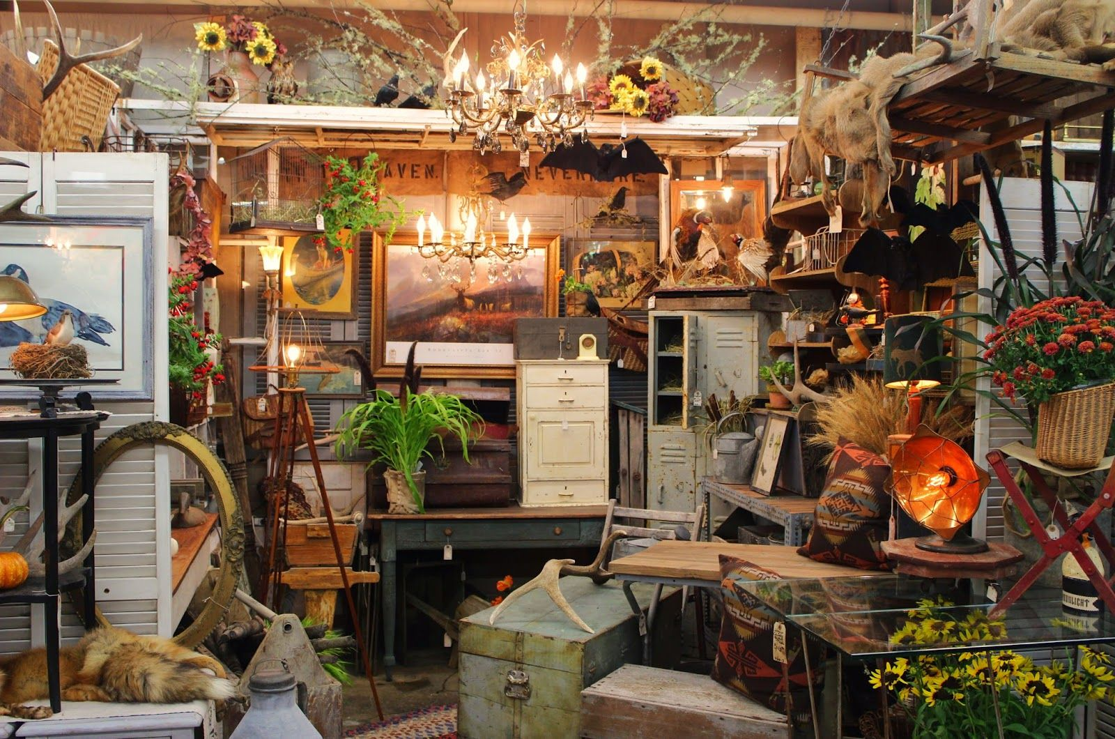 Monticello Antique Marketplace Fall Is In The Air At