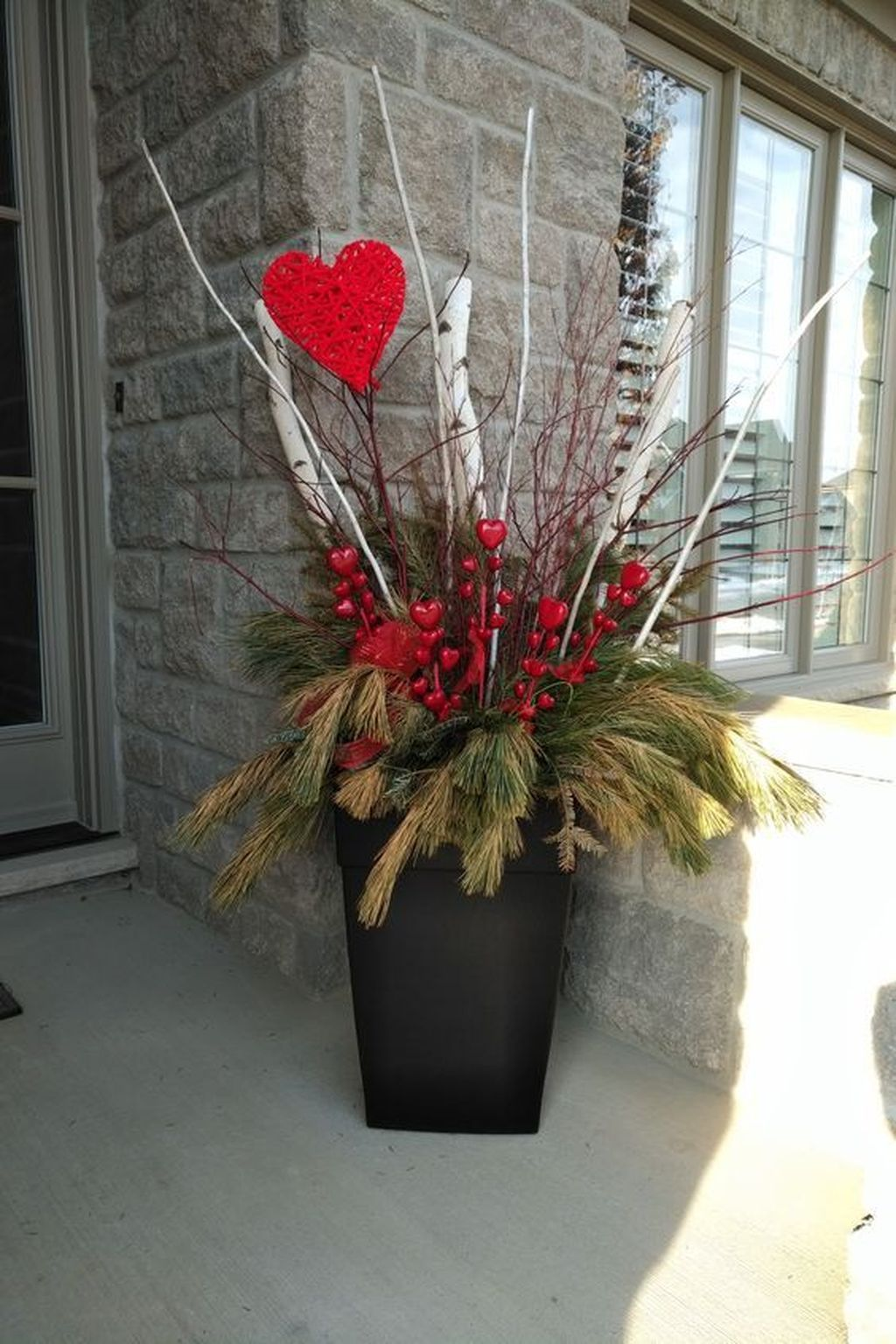 Pin By Becky Haley On Valentines In 2020 Valentines Outdoor Decorations Diy Valentines Decorations Valentine Decorations