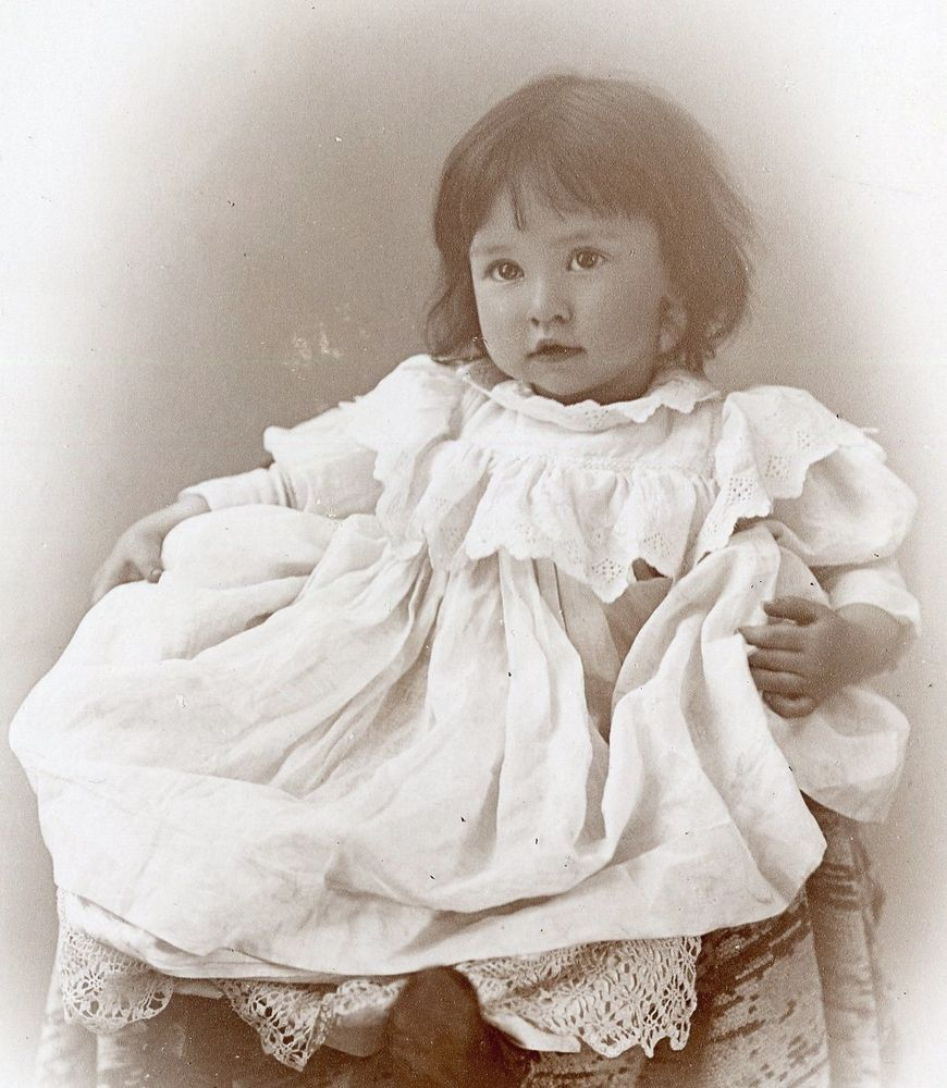 CABINET CARD,Vintage Photo,Angelic Little Dark Haired Girl, Skaneateles, NY