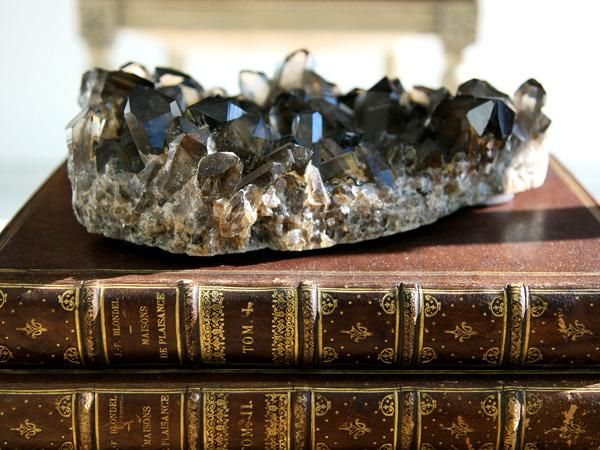 Geode Decor let it sparkle: decorating with minerals | minerals, decorating