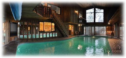 Cool Vacation Rental In Cour D Alene Id House Built Around A Swimming Pool That S So Cool And So Close House Rental Vacation House