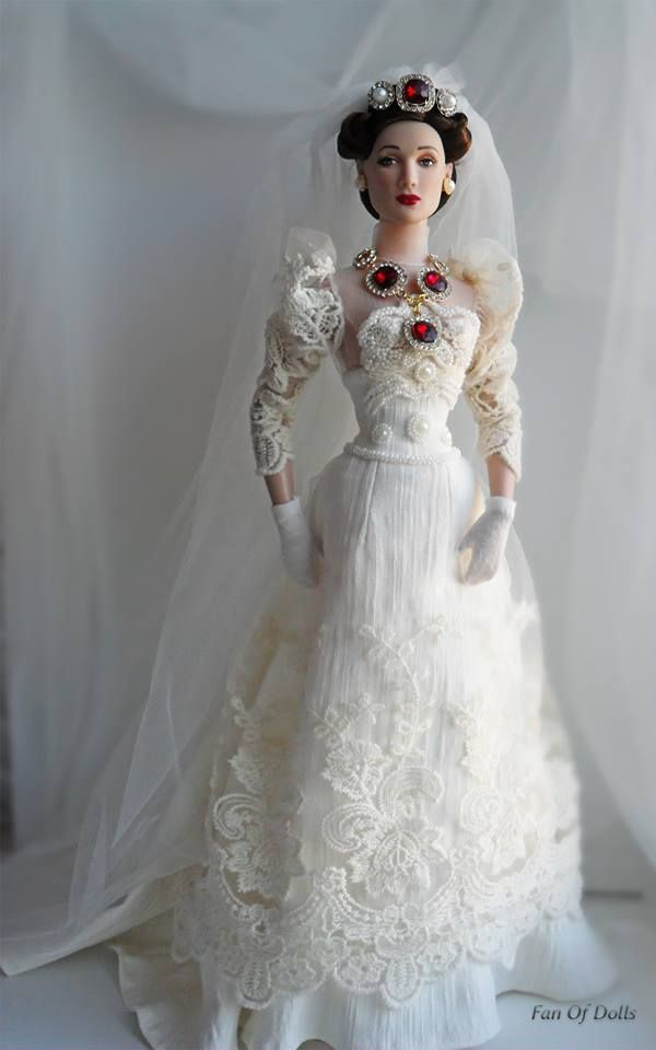 Pin by Kathryn Bender on Barbie/Doll Brides! 1 | Pinterest | Dolls ...