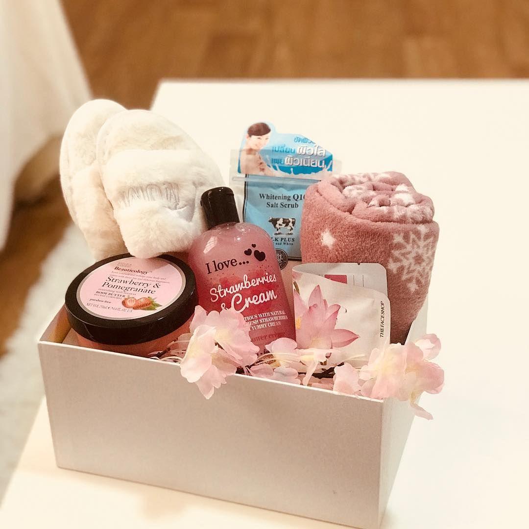 العين العين بوكس بوكسات هدايا الامارات هدايا مواليد عاشقانه بوكس راقي الشارقة ابوظبي ورد ورد Happy Birthday Gifts Spa Gift Box Gift Wrapping Bows