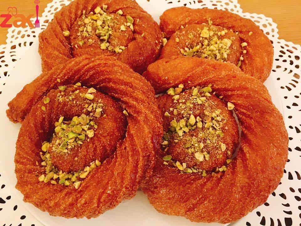 تحلاية السهره مين بحب المشبك الحلبي زاكي Lebanese Recipes Arabic Food Desert Recipes