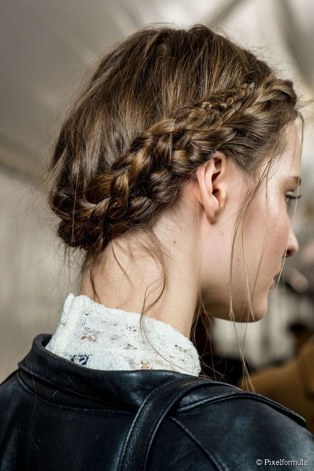 Create your dream updo with our hairstyle tips and tutorials