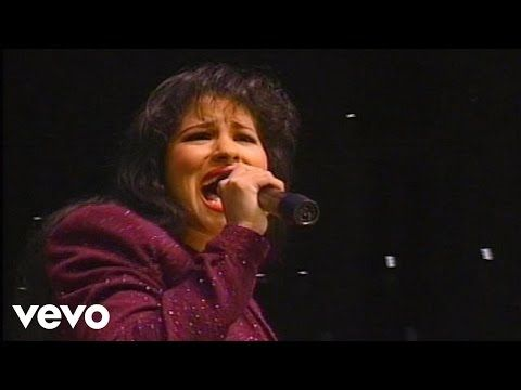 Selena - Disco Medley (Live From Astrodome) - YouTube | SOUL , R & B