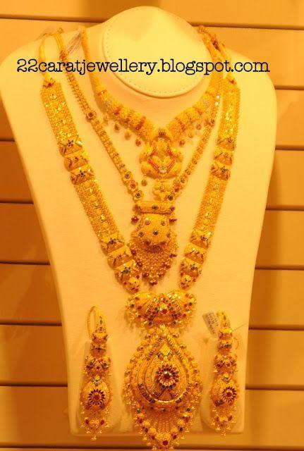 Kalyan Jewellers Gold Plain And Antique Bridal Necklace Sets Gallery Jewellery Bridal Necklace Set Bridal Jewelry Collection Diamond Jewelry Set