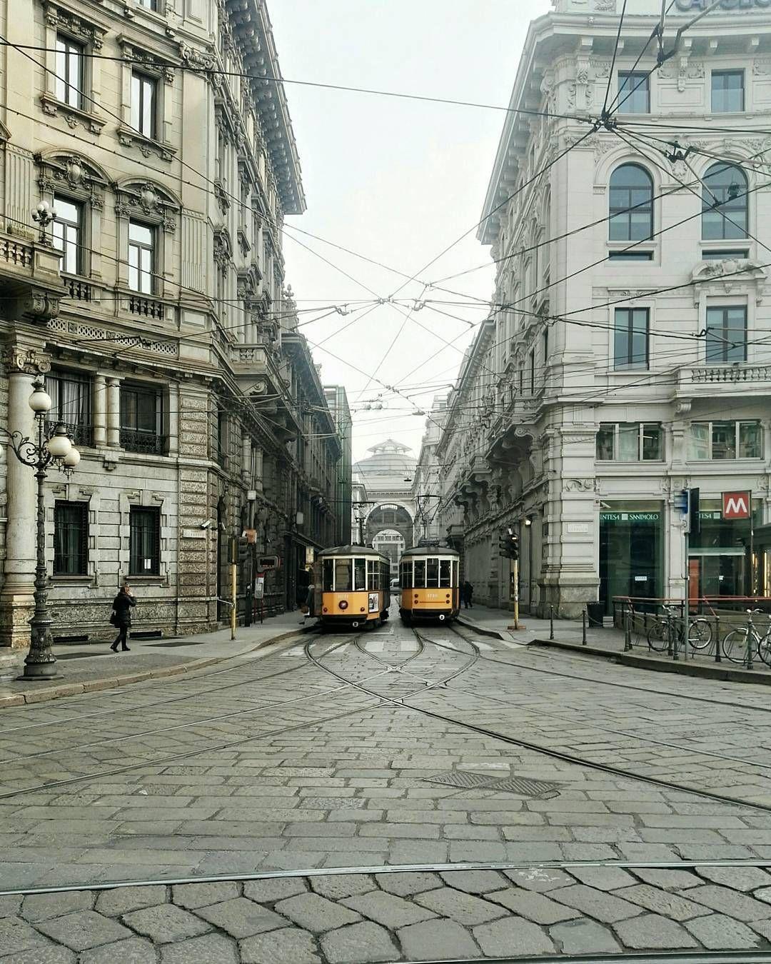 Piazza Cordusio, Milano, Italia
