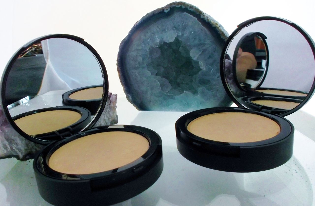 Cream Compact With Cream Foundation Natural face cream