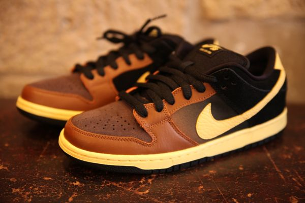 wholesale dealer 7f5e5 a3772 NIke SB Dunk Low - Black  Tan. Very, very nice!