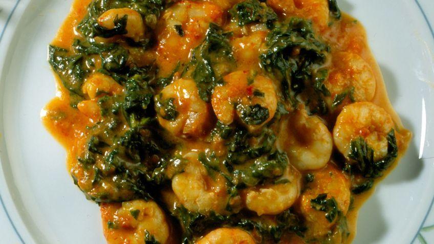 Receta De Espinacas Con Gambas En Salsa De Tomate Karlos Arguiñano Receta Espinacas Espinacas Recetas Recetas Vegetarianas