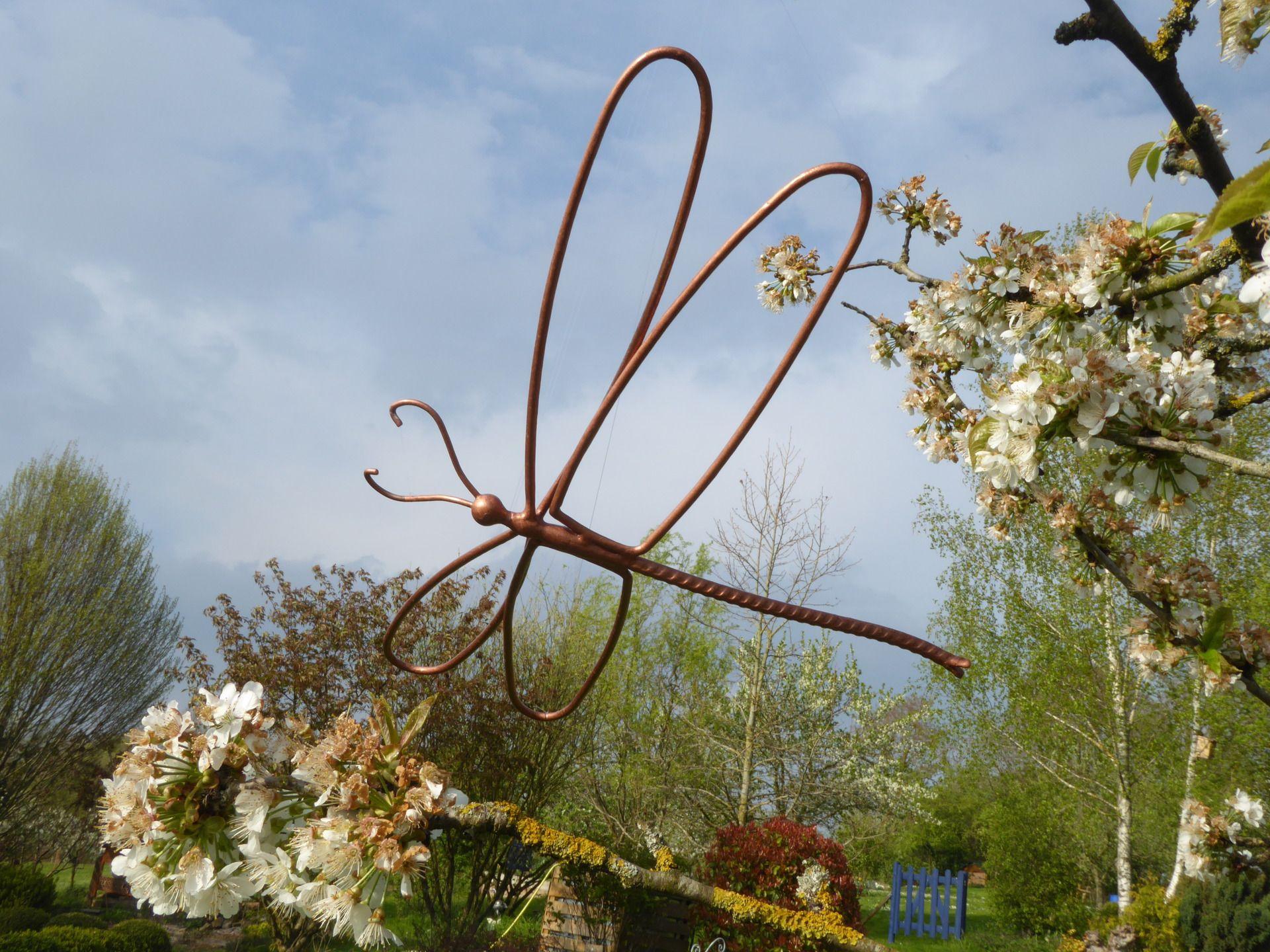 Libellule en fer forgé pour décoration de jardin ou autre ...