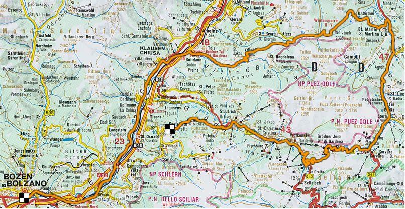 Da Bolzano a Castelrotto attraverso la val di Funes, Badia e Gardena http://www.altoadige-suedtirol.it/itinerari/moto/aa_tour/index.php
