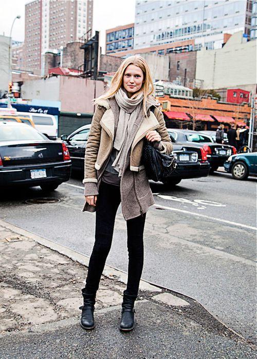 Toni Garrn In Model S Street Style After Prabal Gurung Fw 2012 13 Follow Bonae L Amo Nyfw Street Style Street Style Women Style Inspiration Fall Winter
