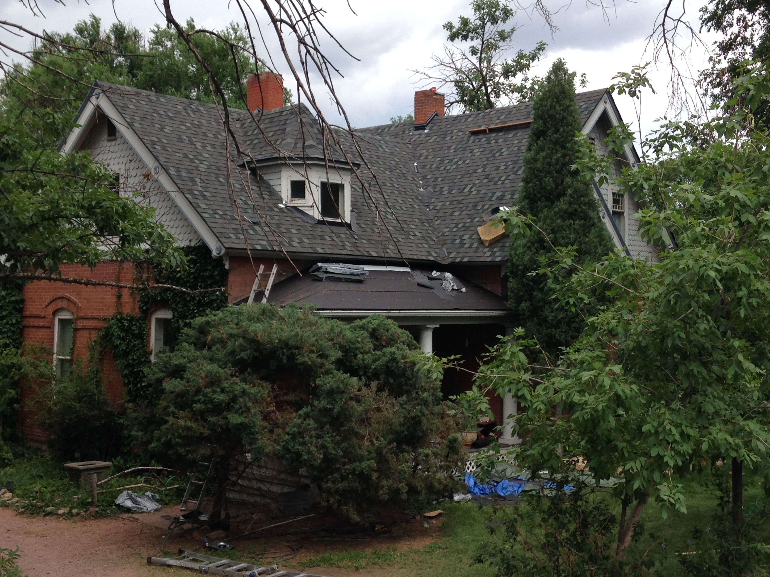 Best Image Result For Thunderstorm Gray Shingles Photos House 400 x 300
