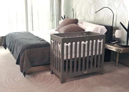 Ideas Para Integrar La Cuna Del Bebe En La Habitacion Principal Cunas Para Bebes Mini Cuna Decoracion Habitacion Bebe