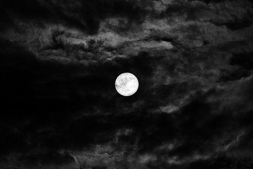 صور لكل محبي القمر والرومانسية وهدوو الليل صور جميلة Super Moon Moon Pictures Moon