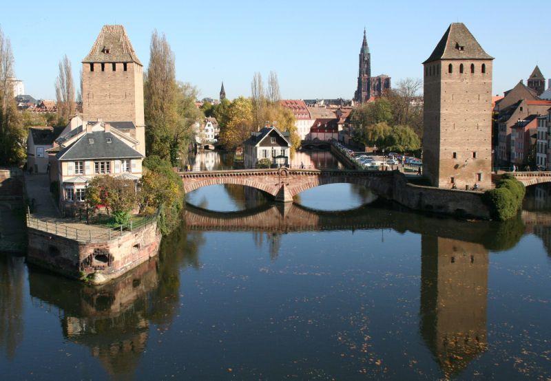 Strasbourg Hotel De La Poste Le Bonhomme Alsace France Strasbourg Paysages Du Monde Pont