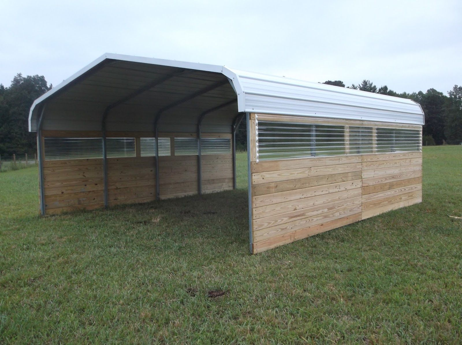 Carport Barn In 2020 Diy Horse Barn Portable Carport Horse Shelter