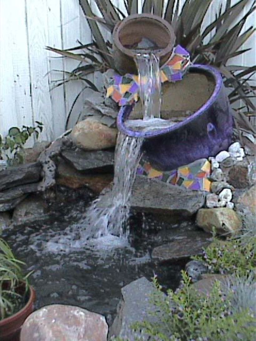 Small waterfall pond landscaping for backyard decor ideas for Pond decorations