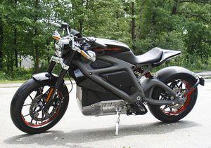 Harley Davidson Motorcycles Steal Scenes In Avengers Age Of Ultron Avengers Age Of Ultron Harley Davidson New Bike Harley Davidson Bikes Electric Motorbike