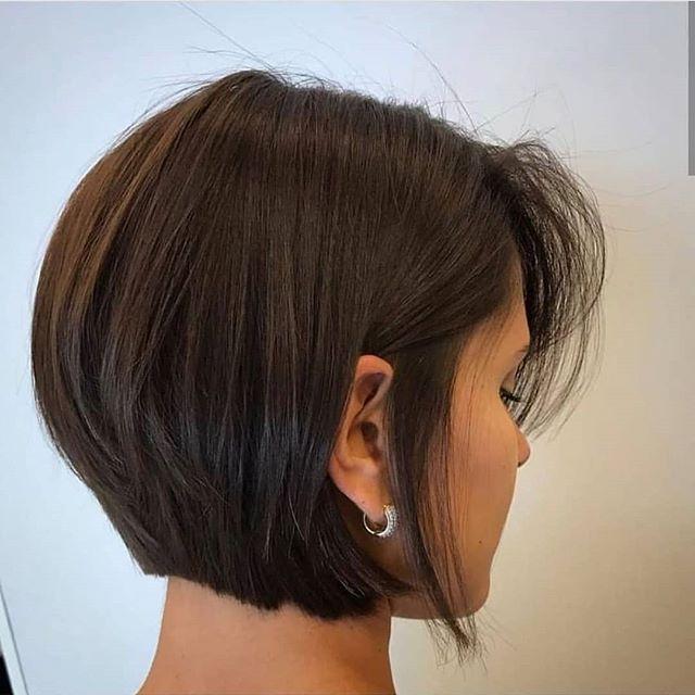 33 Moderne Bob Frisuren Gestuft Heute Kummert Sich Jeder Um Einfache Frisuren Die Leicht Zu Machen Und Zu Bestaune In 2020 Bob Frisur Kurzhaarfrisuren Haarschnitt Bob