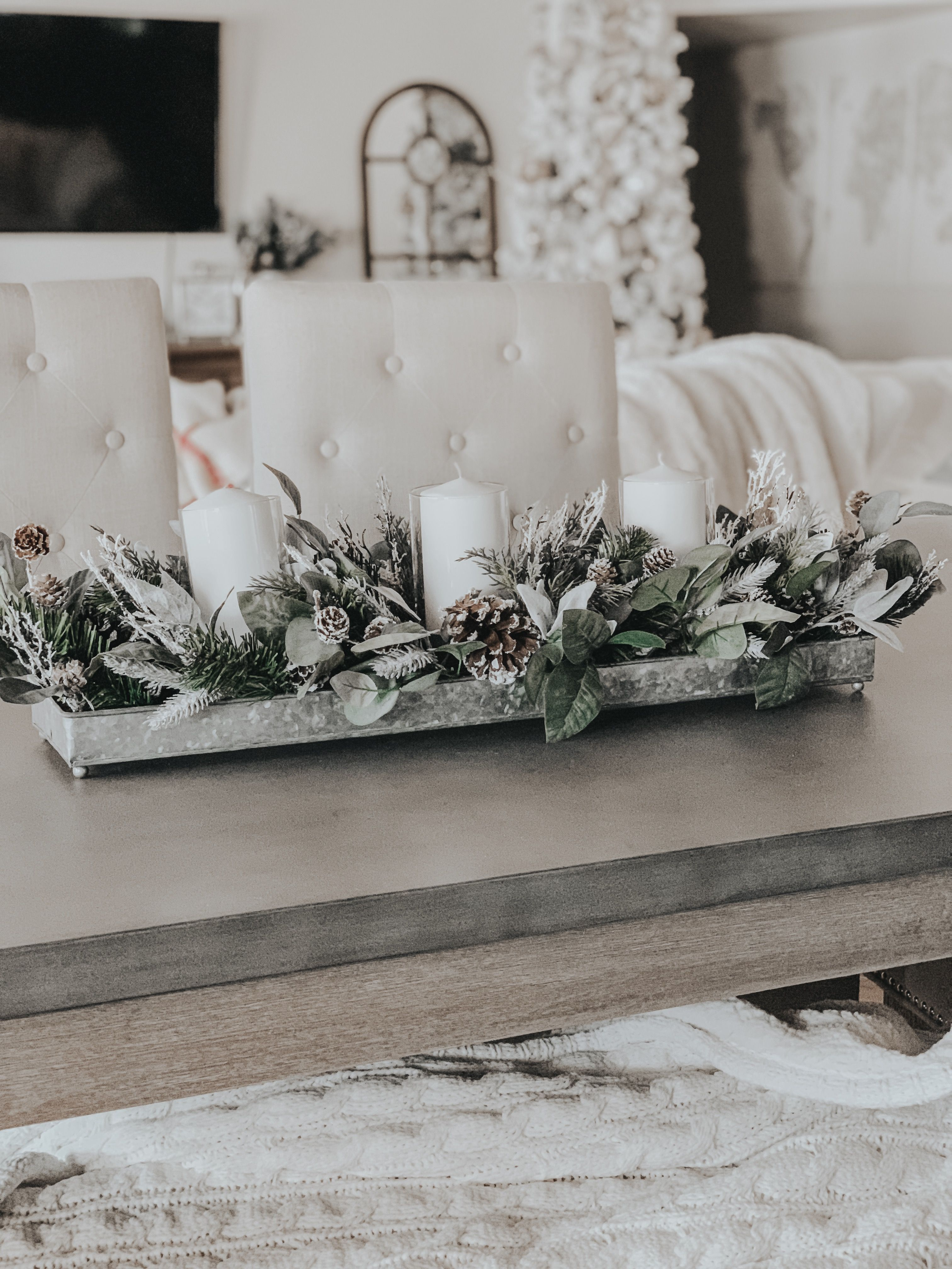 Cute Modern Rustic Christmas Table Centerpiece Christmas Table Centerpieces Christmas Decorations Christmas Table