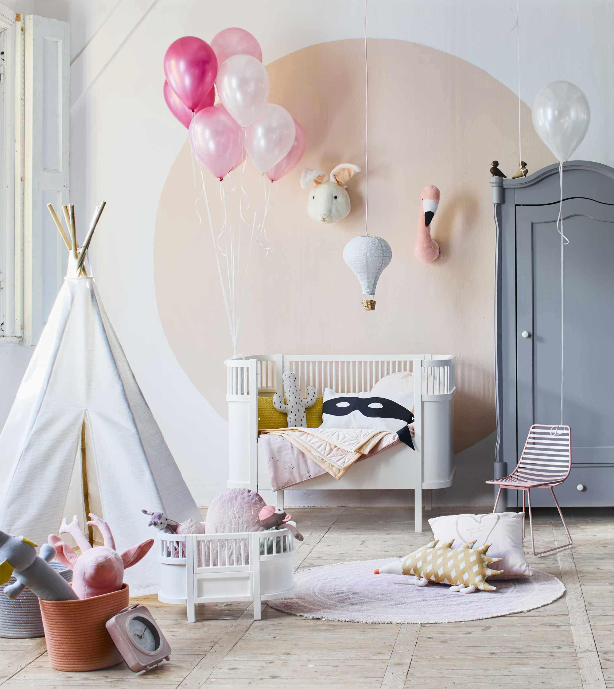 chambre enfant gris rose blanc