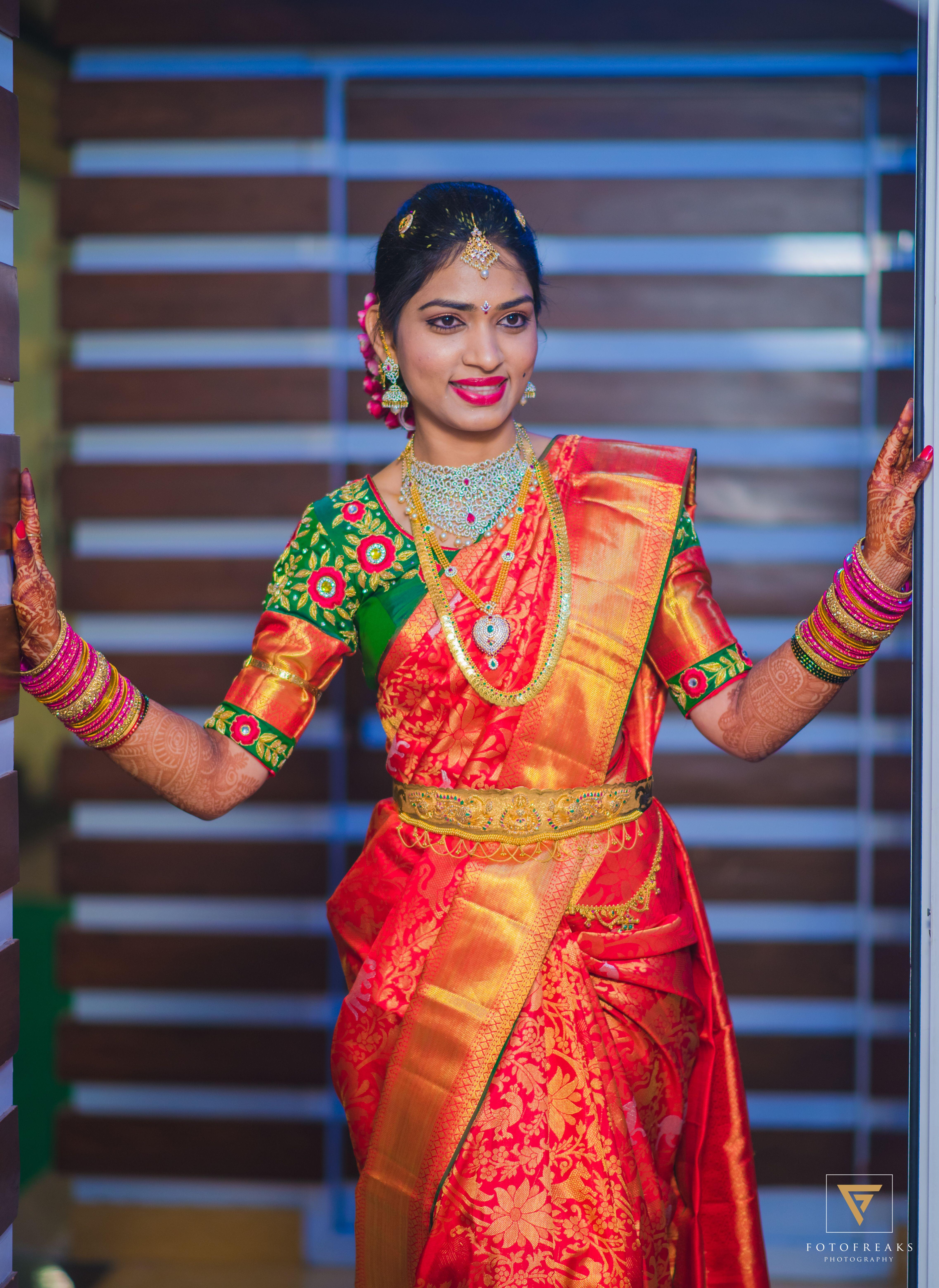 4d1164d5b0ecbf Pretty kanchivaram red saree with contrast green blouse of full zordosi work
