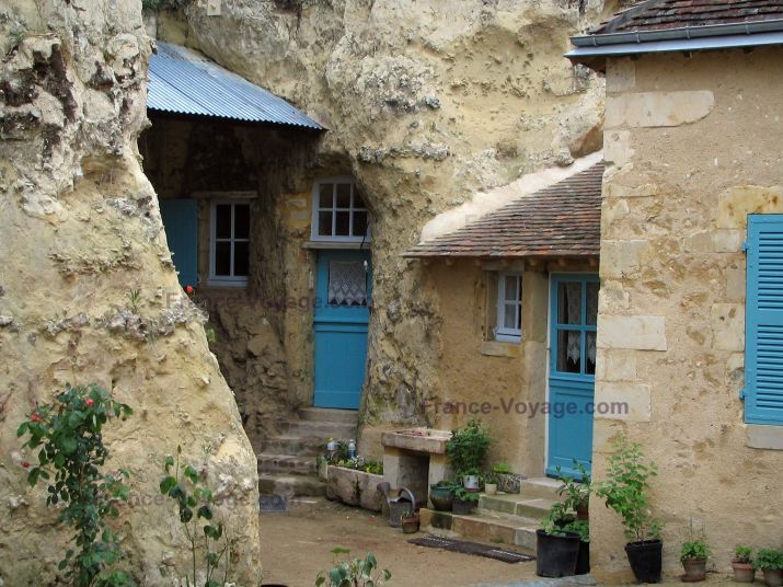 Historic Sites In France Guide Photos Tourist Information Blue Shutters Village Photos Cave House