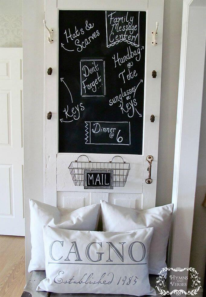 Maak van een oude deur een groot nieuw krijtbord! leuk voor op de kinderkamer, maar ook voor in de keuken!  Op zoek naar oude deuren? Hier vindt je ruim 1000 oude deuren!: http://www.destijdsch.nl/shop/deuren/oude_deuren