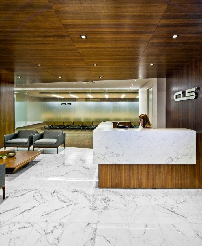 Office tour confidential financial company new york for Muebles de oficina ibiza
