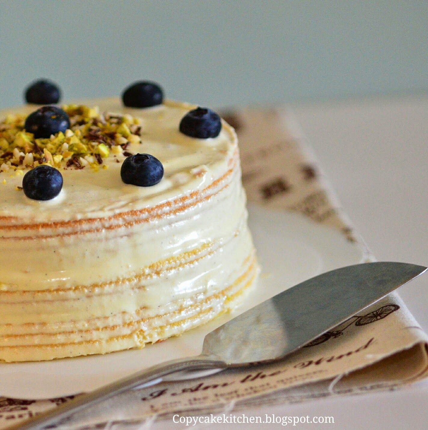 这是几天前为自己做的生日蛋糕。 虽然没有华丽的外表装饰,但却有一种单纯的好味道! I baked myself a