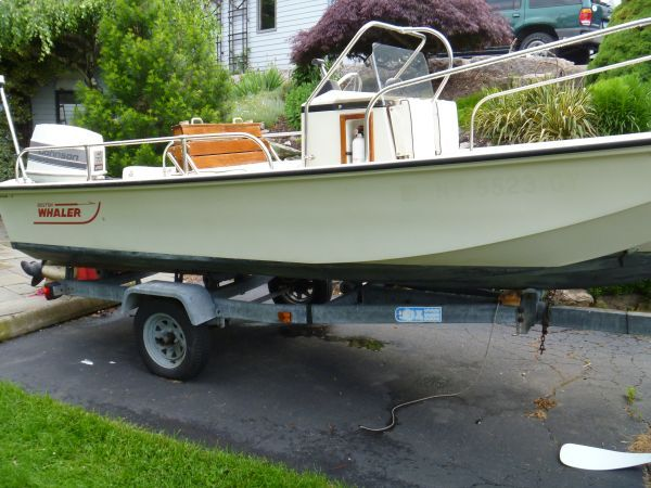 17 1988 Refinished Boston Whaler Montauk With 1988 Johnson 70 Hp Engine Engine Was Rebuilt Less Than 5 Years Ago By Previous Owner Barco De Aluminio Barcos