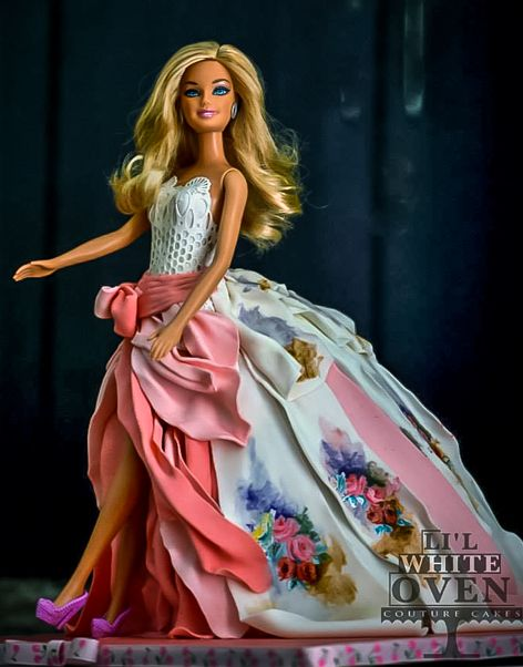 Fashionista Barbie | Gauri Kekre | Li'l White Oven |  ( http://purplevelvetproject.com/barbie-cake-gauri-kekre/ )    | Barbie Cake Ideas | Barbie Cake Designs | Barbie Cake | Barbie Gown Cake | Ken | Birthday Party | Birthday Cake for Girls | Barbie Princess Cake | Barbie Doll Cake | Barbie Doll Theme Cake    @purplevelvetpro