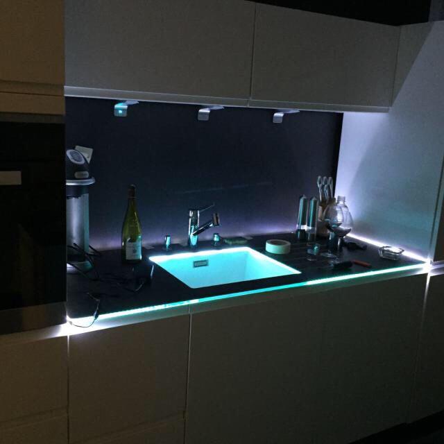 eclairage plan de travail cuisine du futur a anse pres de. Black Bedroom Furniture Sets. Home Design Ideas