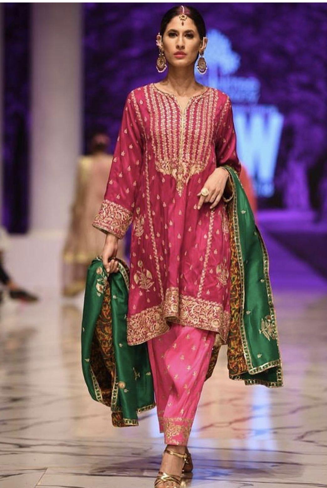 Post Wedding Dinner Dawat Traditional Dress Inspo Traditional Indian Dress Indian Designer Outfits Pakistani Dress Design