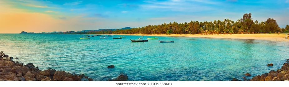 Seascape At Sunset Time Beautiful Landscape Of The Indian Ocean Amazing View High Resolution Panorama Landscape M In 2020 Seascape Beautiful Landscapes Landscape