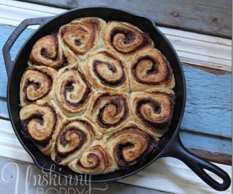 Homemade-Cinnamon-Rolls-in-Cast-Iron_thumb.jpg