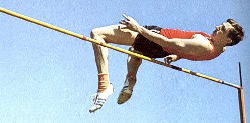 Richard Douglas Fosbury, conocido como Dick Fosbury (13 de marzo de 1947 en Portland, Oregón) es un exatleta estadounidense especialista en salto de altura, que fue campeón en los Juegos Olímpicos de México 1968 y se hizo famoso por utilizar una nueva técnica para pasar encima del listón, que posteriormente han aplicado todos los saltadores y que se conoce como Fosbury Flop.