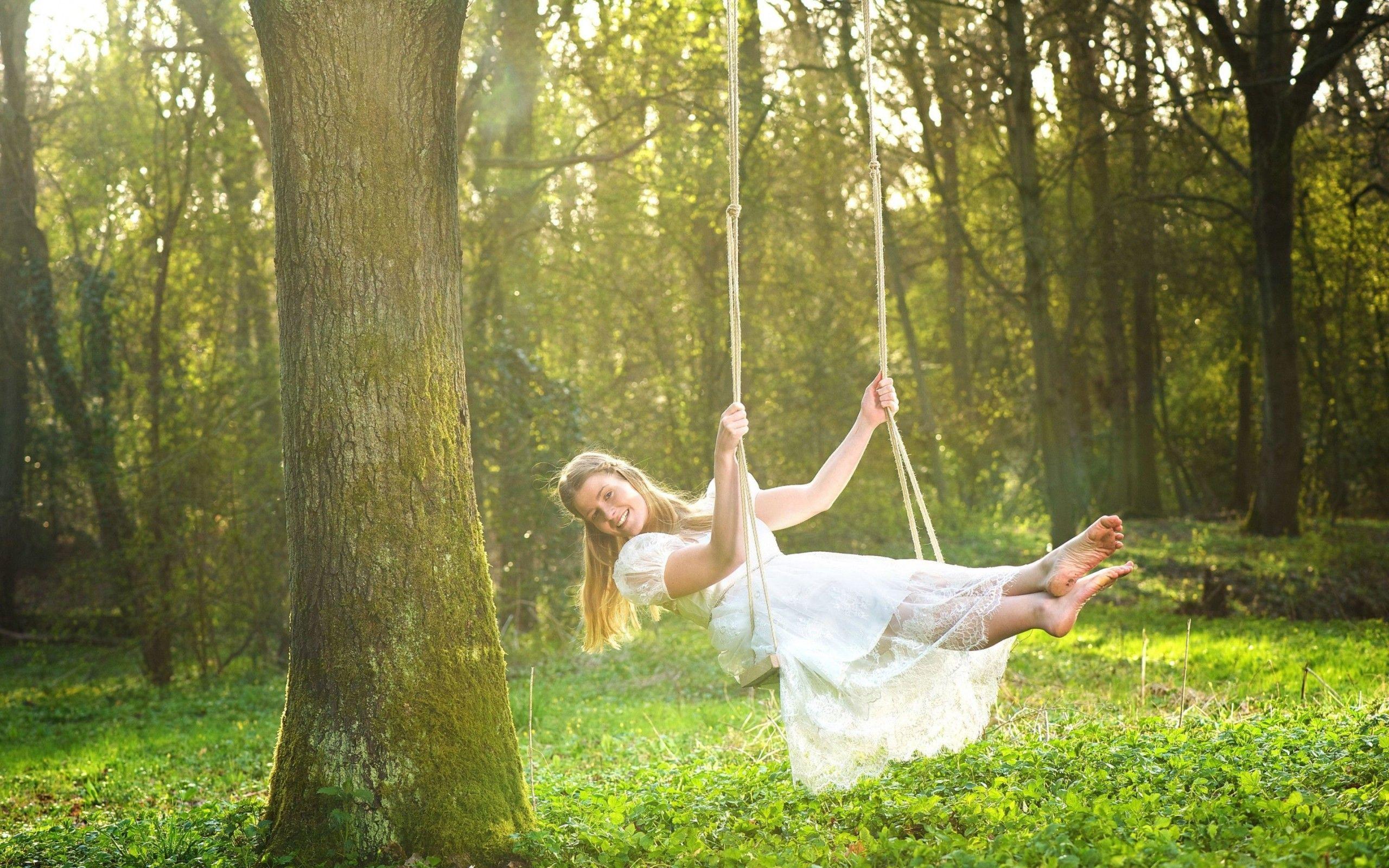 Happy Girl On Swing HD Wallpaper