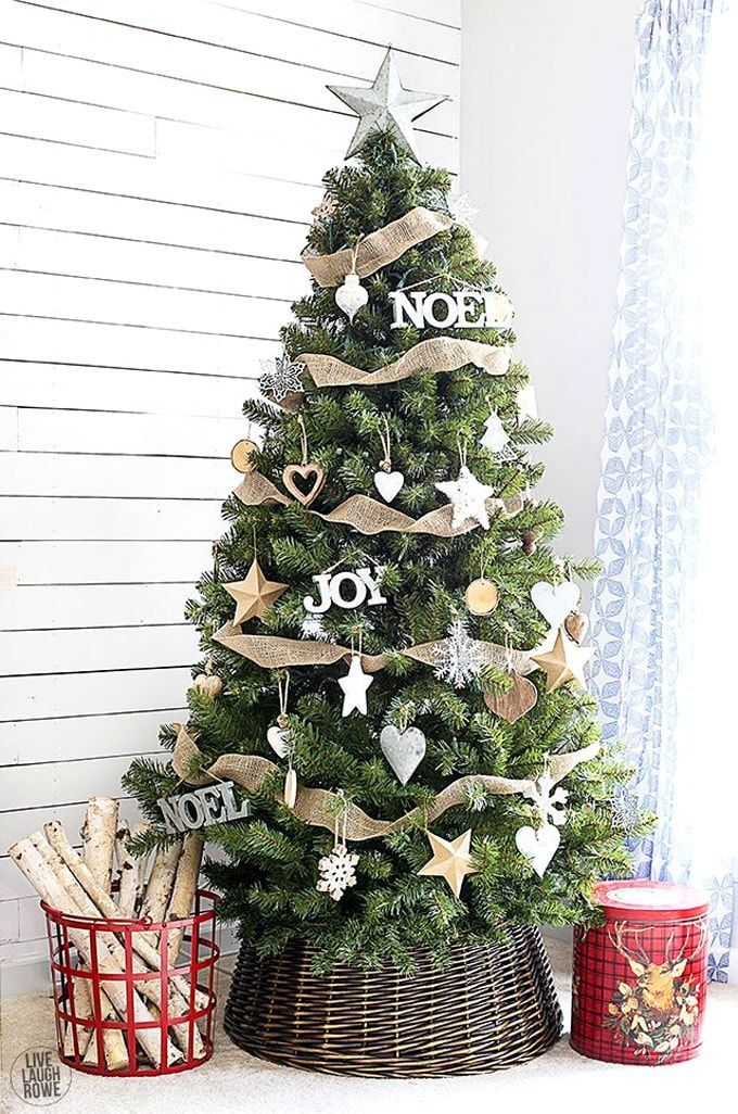 Beautiful Christmas tree decorating ideas & best DIY tutorials! Great pro tips & tricks on how to choose styles & colors, use ribbons & ornaments, & more! - A Piece of Rainbow #christmas #christmasdecor #christmascrafts #christmasideas #christmasdecorations #christmastree #christmastreeideas #christmasornaments #holiday #christmastreedecorating #diy #diyhomedecor #homedecor #homedecorideas #farmhouse #farmhousestyle #farmhousedecor #stringlights #rusticdecor #vintage