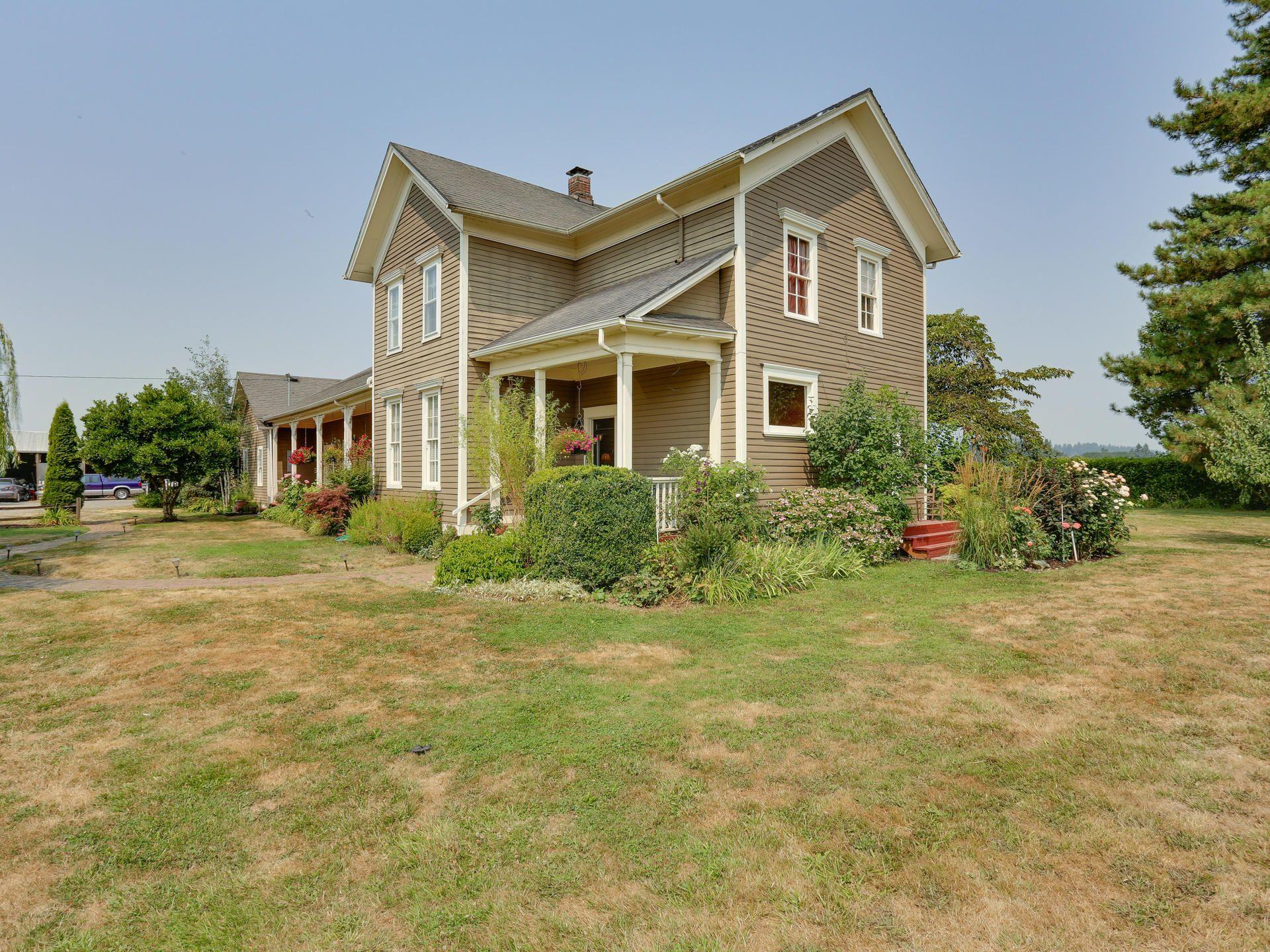 historic farmhouse on 4 4 acres this gorgeous home features 5 rh pinterest com