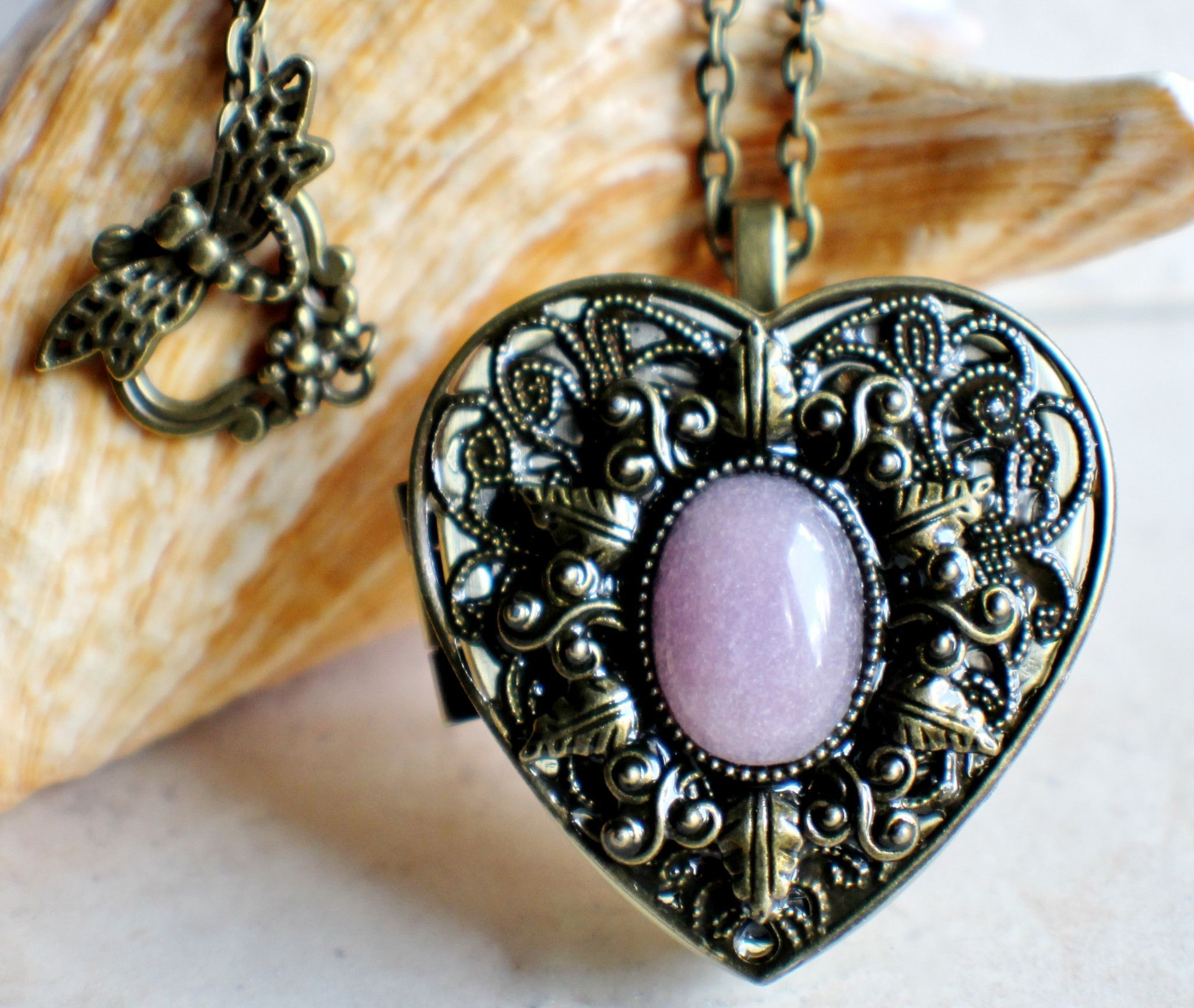 Rose quartz music box heart locket accesorios music box pendant this heart shaped music box pendant is inspired by the gorgeous music aloadofball