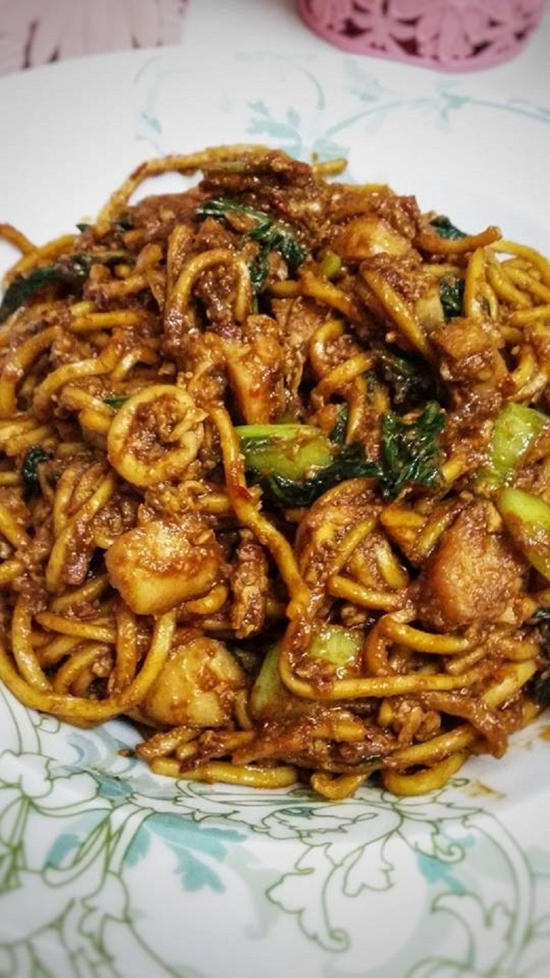 Mee Goreng Mamak Merupakan Hidangan Favourite Rakyat Malaysia Kalau Tengah Mengidam Malam Malam Boleh Cuba Resepi Mee Goreng Mamak I Resep Makanan Resep Kari
