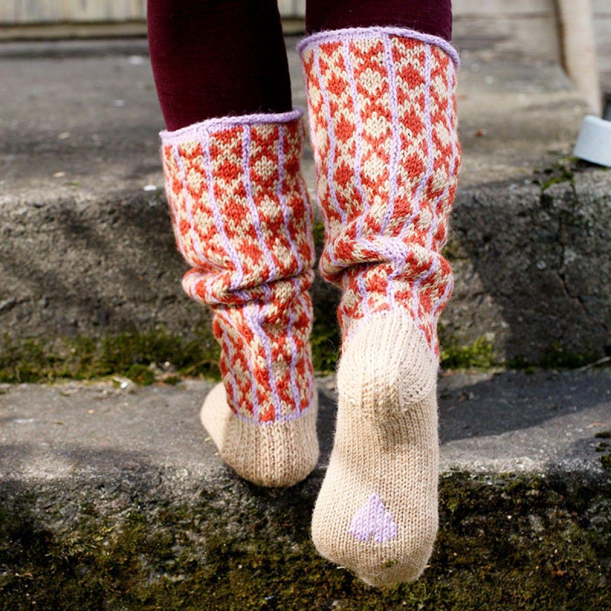 Gratis patroon voor warme huissokken   breien fair isle patronen ...