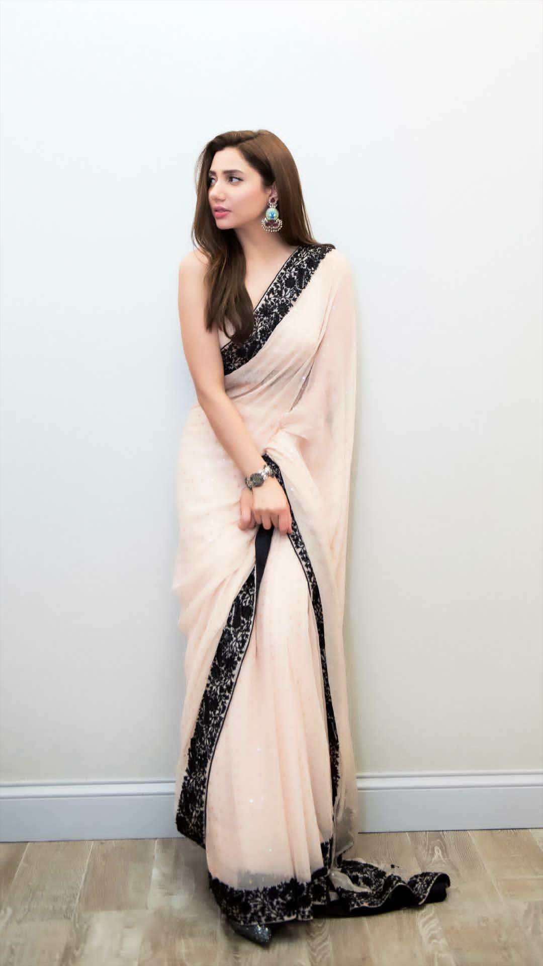 05794d37eb Sari design Mahira Khan Dresses, Farewell Sarees, Indian Sarees, Silk  Sarees, Pakistani