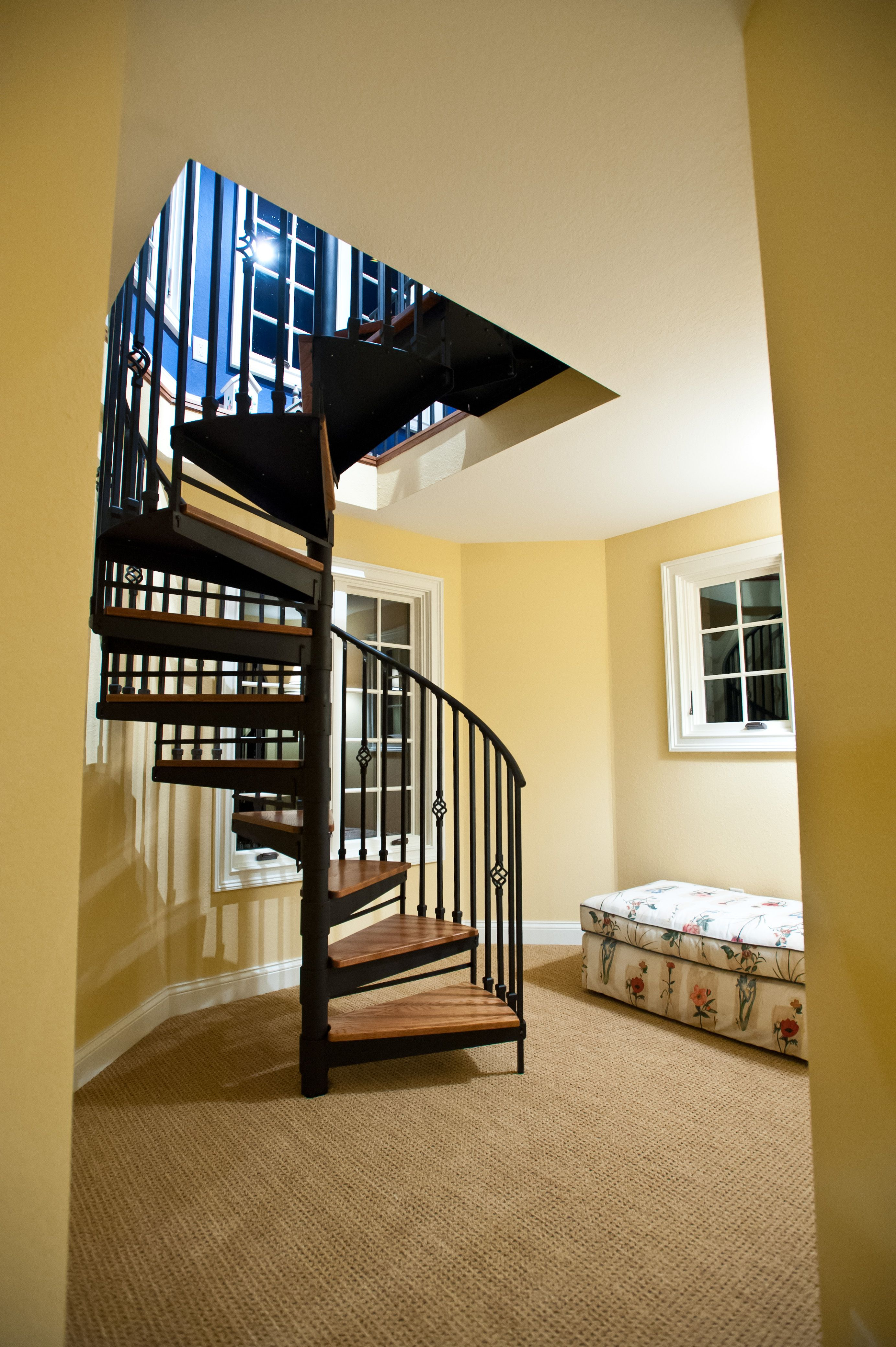 Best Interior Spiral Staircase With Images Farmhouse Style 400 x 300