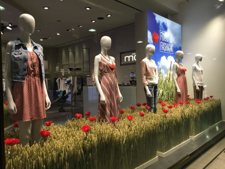 "On occasion of the Milan Expo 2015, the Motivi store, in Milan center, celebrates the event with a special window, ""Food is Fashion""."