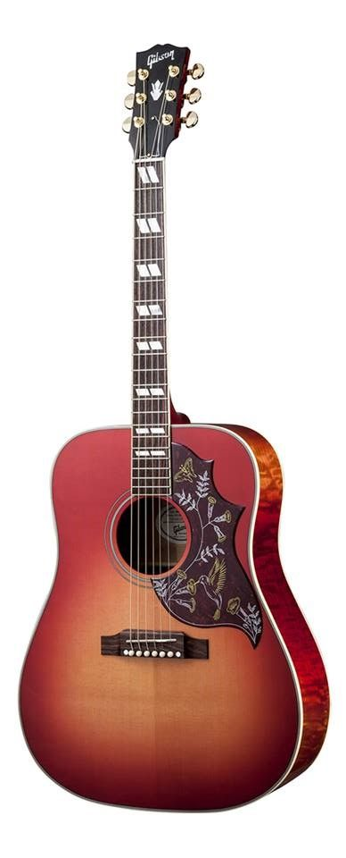 The Hummingbird From Gibson Acoustic Guitars Made It S Debut In 1960 Was Gibson S First Square Should Gibson Acoustic Acoustic Guitar Pictures Guitar Obsession